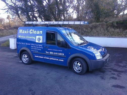 Maxi Clean Window Cleaning